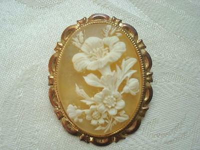 Gold Tone Plastic Flowers Cameo Scarf Clip