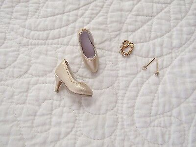 """Tonner 10"""" Tiny Kitty Collier LUNCH DATE Bracelet Earrings and Gold Shoes"""