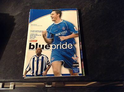 Oldham Athletic V Colchester United   25/9/04