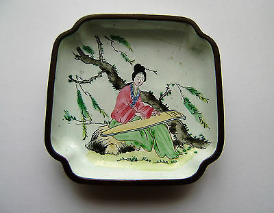 Antique Chinese Cloisonne pin dish woman playing  musical instrument (N 5)