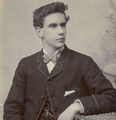 1890s VERY HANDSOME YOUNG MAN CDV PHOTO CARTE DE VISITE GAY FASHION SWANAGE