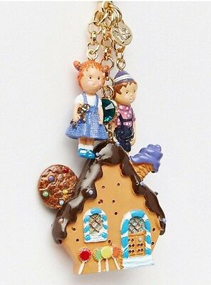 N2 Les Neriedes Gingerbread House Key ring
