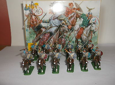 PAINTED SOLDIERS 1/72 20mm CELTIC CAVALRY ROMAN WARS x 12 HAT