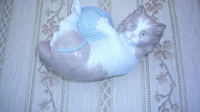 Rare Lladro  Nao Large China Cat Playing With Ball Wool