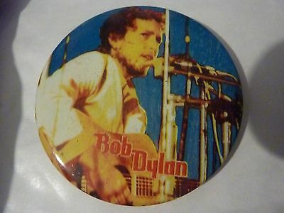""""""" BOB DYLAN """" Vintage 1970's - 1980's Button /  Badge  2 ½  """"****ONE ONLY****"""""""