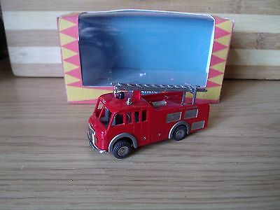 triang minic motorway M1550 Fire engine MK1 brass chassis truck lorry car