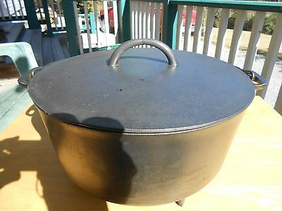 WAGNER - SIDNEY =0-  #10 Footed CAMP Dutch OVEN -Black Cast Iron