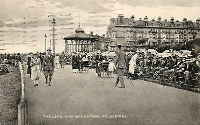 """OLD POSTCARD """"THE LEAS AND BANDSTAND, FOLKESTONE"""" (KENT) Posted 1923"""