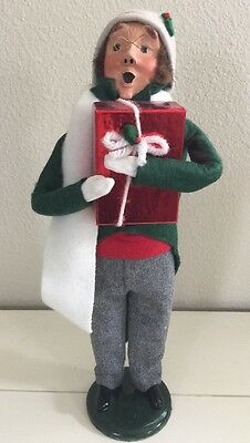 Byers' Choice THE CAROLERS Man With Glasses & Red Gift Present 1990 Signed