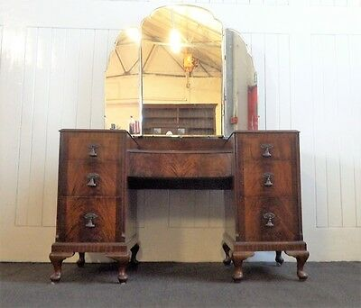 Antique Vintage flame mahogany Queen Anne triple wing dressing table