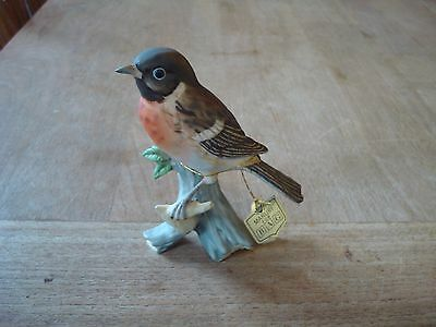 """Vintage Hand-Painted Maruri Porcelain Stonechat Bird Ornament With Tag 4.5"""" Tall"""