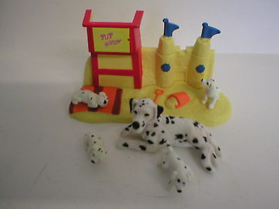 """Puppy In My Pocket #128 Susan Dalmatian Family With """"pup Watch""""  Beach Stand"""