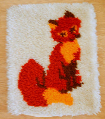 """Vtg Completed Latch Hook Pillow With Red Fox - Just Add Your Pillow Form 15.5"""""""