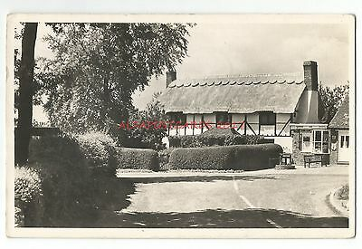 Berks Finchampstead Thatched Cottage 1964 Real Photo Vintage Postcard