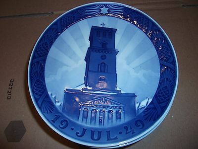 ROYAL COPENHAGEN PLATE - Our Lady's Cathedral 1949 - 42nd in Christmas Series