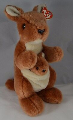 Retired 2000 TY Pouch Beanie Buddy Kangaroo Plush EUC with tag