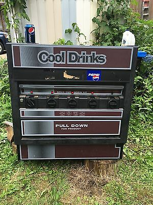 Vintage Soda Vending Machine Refreshments Cold Drinks Works W/ Keys !!