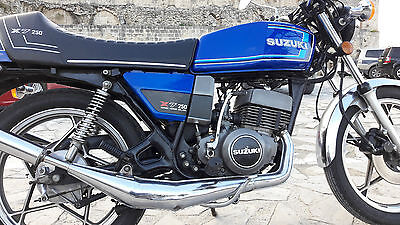 Suzuki GT250 X7 excellent unrestored with Microns and 2:4 Seat + Standard Parts