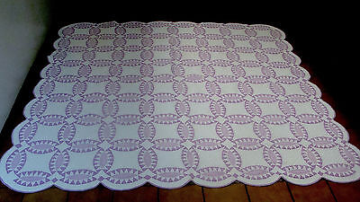 """Ca 1900 lavender & white Pickle plate all hand quilted quilt, 77"""" x 75"""" *"""