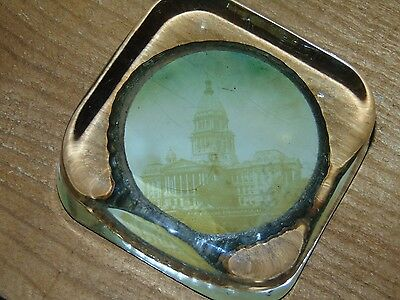 State House Springfield Illinois Vintage Glass Paperweight