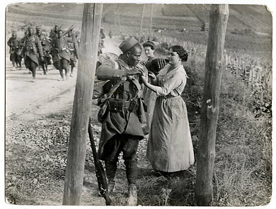 World War One Ww1 Original Photo - French Girl Helps Black Soldier With His Kit