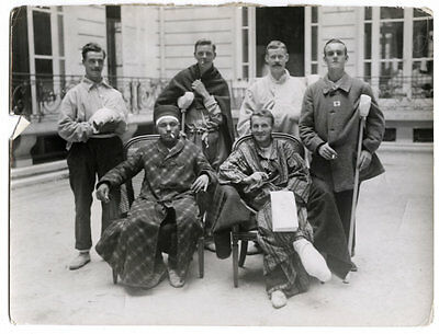 World War One Ww1 Original Photo - Group Of British Wounded Turk