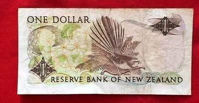 NEW ZEALAND - Used Banknote 1 Dollar