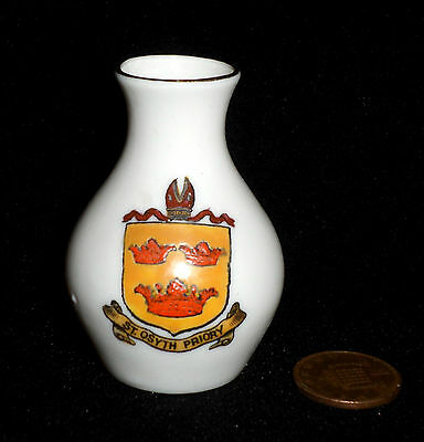 Goss Crested China Model Of Vase From Swindon St Osyth Priory Essex Crest Arms