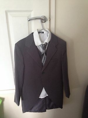 Vgc Boys 5 Piece Suit Tail Jacket Shirt Waistcoat Cravat And Trousers 8-9 Yrs
