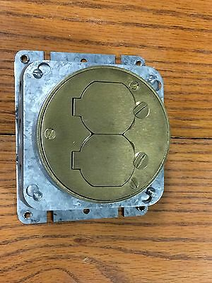 Hubbell 4.25 In. Round Steel Duplex Outlet Electrical Floor Box B2529 With Plate