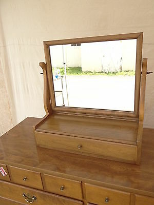 Kling Colonial solid maple Buckwheat shaving dresser chest mirror chippendale