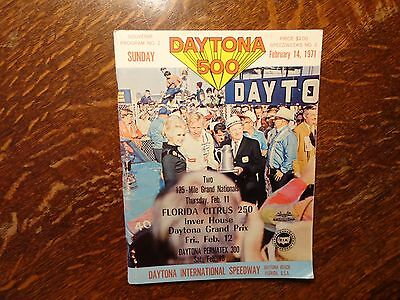 1971 DAYTONA INTERNATIONAL SPEEDWAY  Official Program Daytona 500  NASCAR