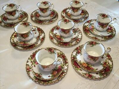 Genuine Royal Doulton Old Country Roses 8 x Coffee Cup & Cake Plate Set