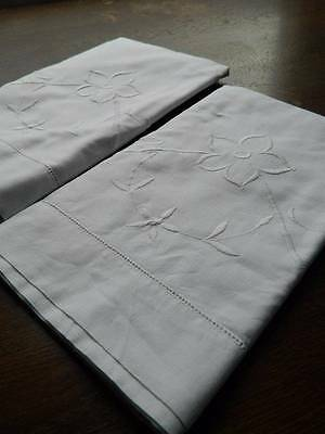 Pair of vintage white cotton pillowcases - embroidery - whitework florals
