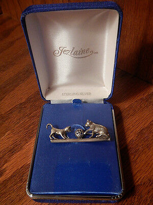 VINTAGE JEZLAINE STERLING SILVER CATS PLAYING BALL PIN BROOCH - Orig Box