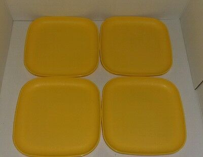 "Tupperware Set Of 4 Luncheon 8"" Plates"