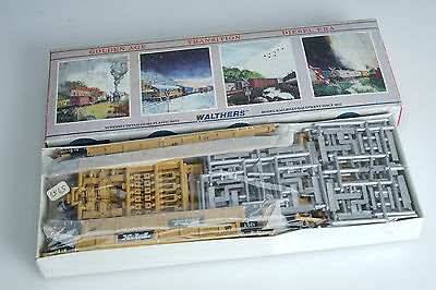 Walthers 932-3975 Unopened 305' Thrall Articulated Double Stack TTX #72823