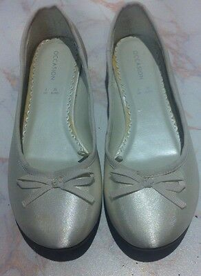 Girls Occasion Pumps, Ivory/white, Size 2. Bridesmaid, Wedding, Occasion, Party