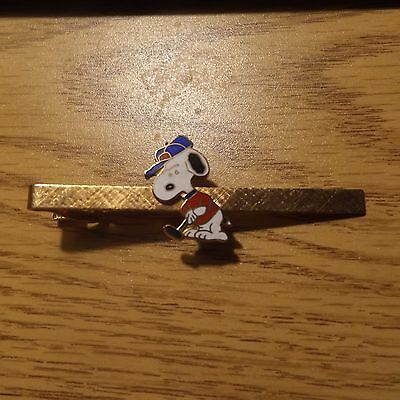 Vintage Aviva Snoopy Golf Tie Bar