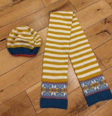 boden girls hat and scarf set age 2-6 years
