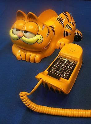 1981 TYCO Vintage Garfield the Cat Desk Phone Eyes Open and Shut Excellent Condi