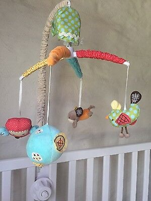Baby musical mobile