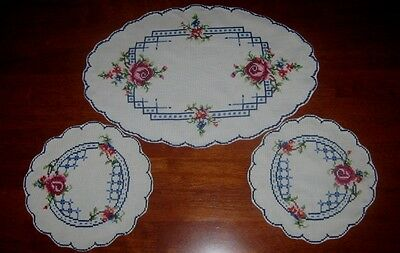 Vintage Hand Embroidered Duchess Set ~ Cream ~ Roses
