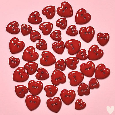 DRESS IT UP Buttons Creative Collection Red Hearts 242 - Valentines