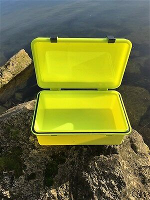 Dry Box Medium for Scuba Diving, Snorkeling, kayaking, Sailing With O-Ring Seal