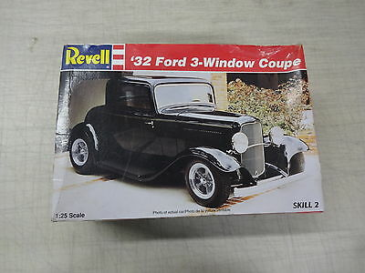 Revell # 85-7605 32 FORD COUPE 3-WINDOW COUPE  , 1:25 SCALE, NEW OPENED BOX