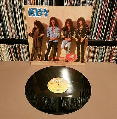 """KISS Hide Your Heart 12"""" Single w/Picture Sleeve - KISSX 10"""