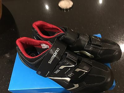 Never Worn Mens Shimano Cycling Shoes Size 45 (10.5)