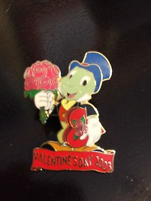 Disney LE Pin DLR Valentines Day 2003 Jiminy Cricket Pinocchio Roses Candy