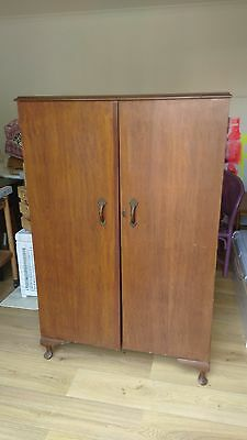 Gorgeous Vintage / Retro Timber Cupboard / Cabinet